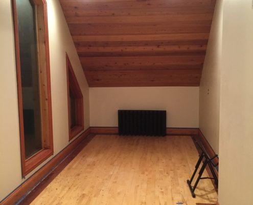 Upper Isolation Room